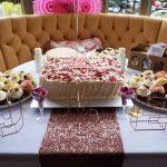 pub-wedding-wedding-decor-old-bull-bush-hampstead-confetti-balloons
