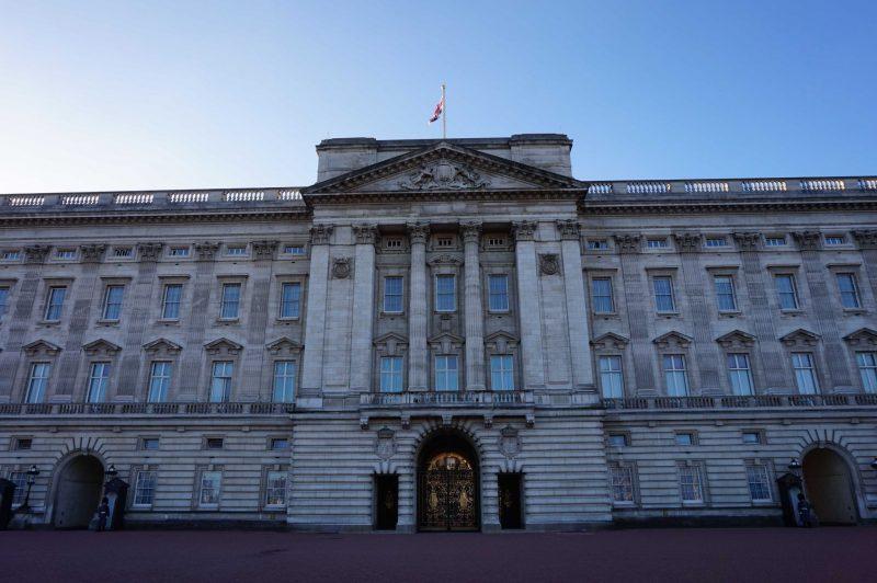 devine-bride-buckingham-palace