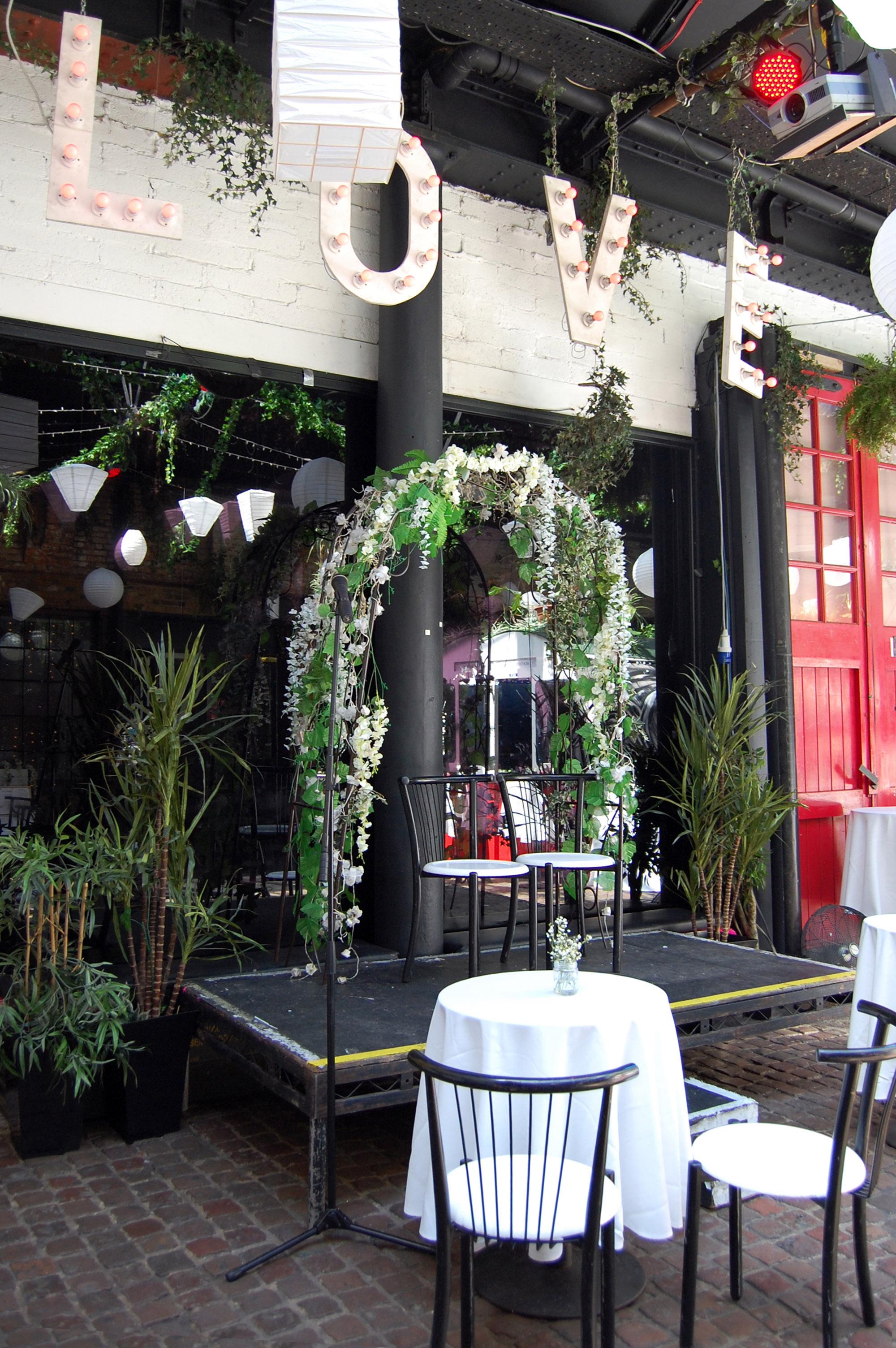 1 laid-back-chilled-ceremony-islington-metal-works-cat-wedding-laura-devine-bride-wedding-planner-tasker