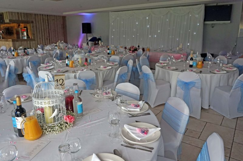 1 middlesex-cricket-club-wedding-north-london-starlight-backdrop-birdcages