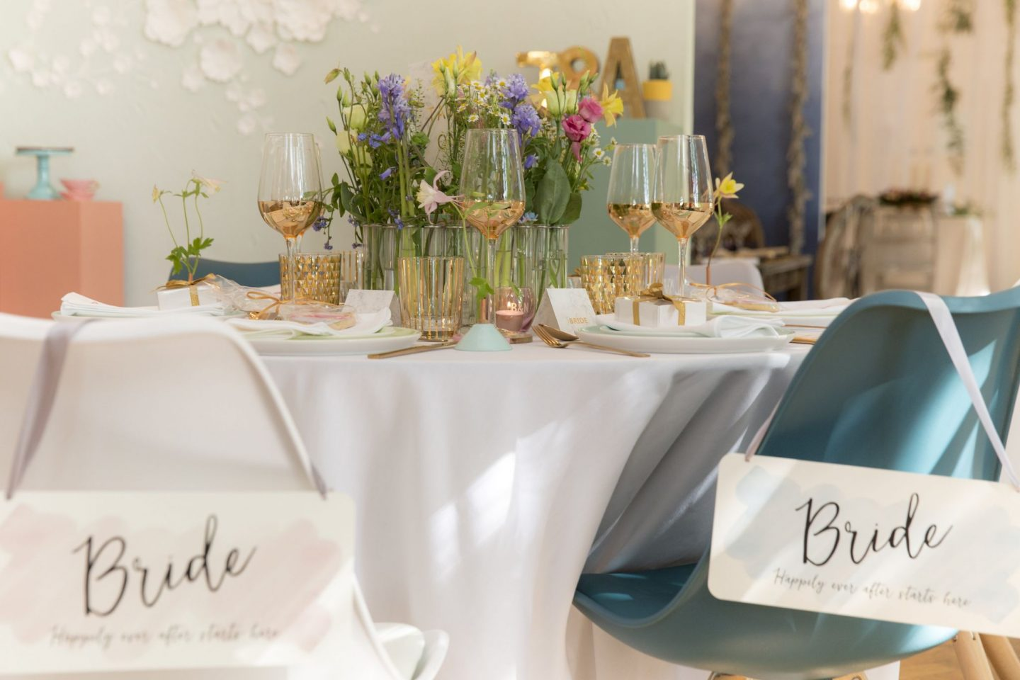 20-Laura-devine-bride-wedding-blogger-tasker-planner-not-on-the-high-street-press-day