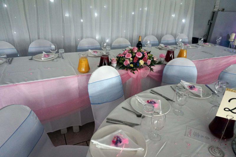 3 middlesex-cricket-club-wedding-north-london-starlight-backdrop-birdcages