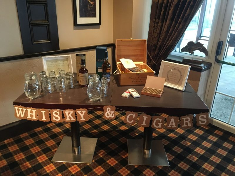 whisky-cigar-table-weddingstationery