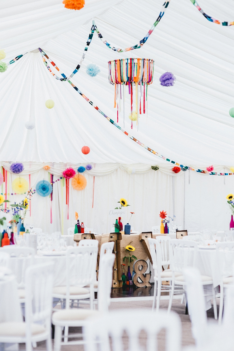 wedding décor tips bunting marquee