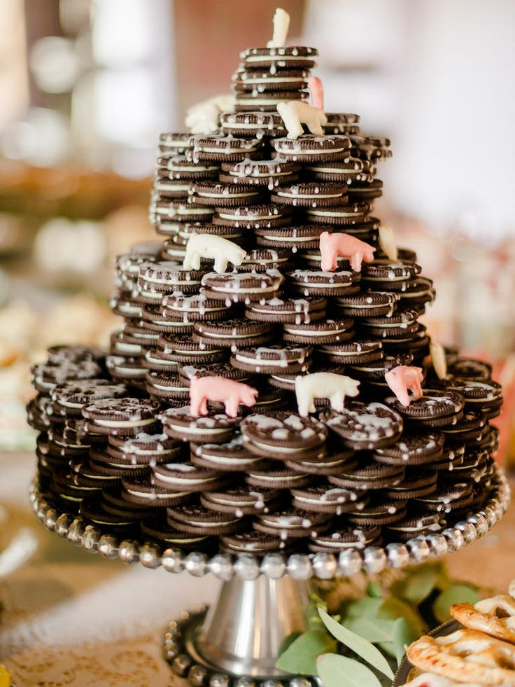 wedding cake alternatives 2017 b639c7b1037396a551ea6e5be99d054f oreo wedding cake 21723