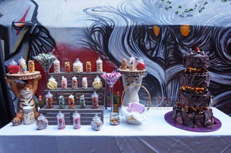 6 islington-metal-works-fun-colour-pop-wedding-devine-bride-balloons