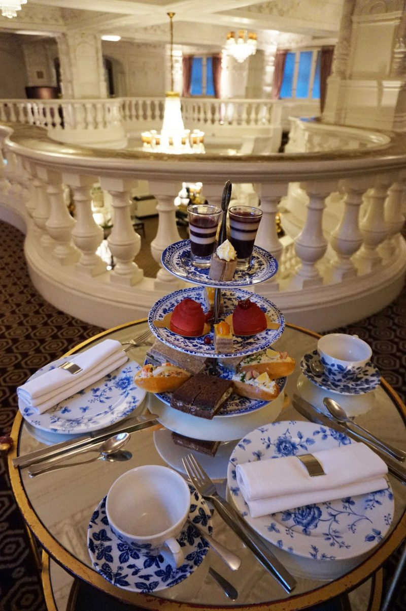 devine-bride-st-ermins-afternoon-tea