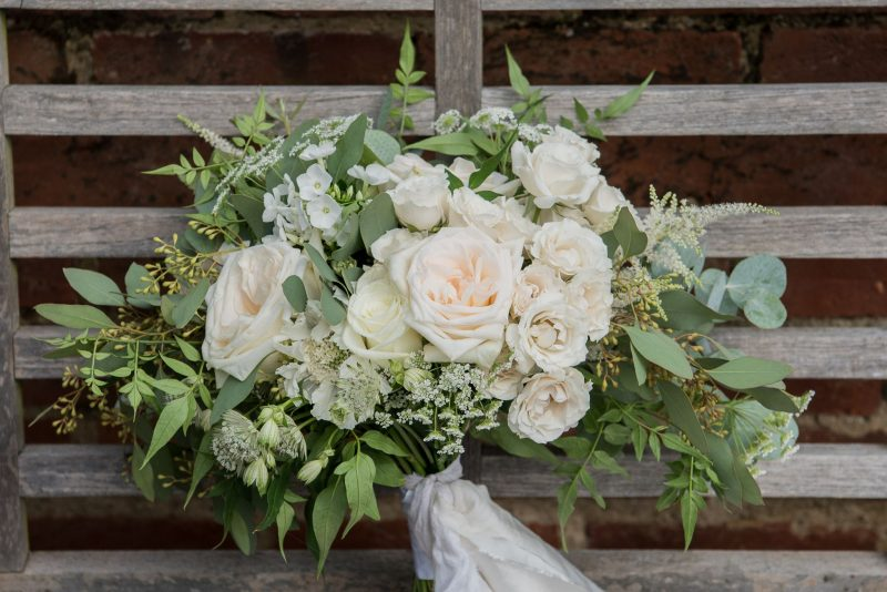 english-rose-styled-shoot-gaynes-park-essex-wedding-venue-devine-bride-wedding-planner-stylist