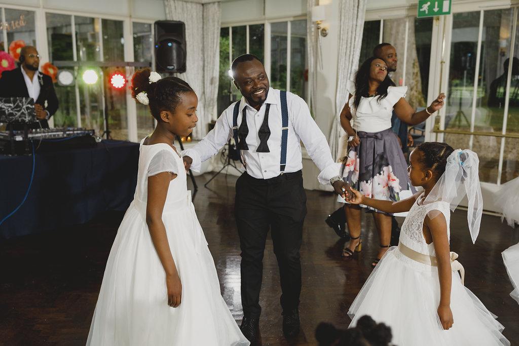 Wedding-coordinator-edinburgh-castle-wedding-devine-bride-venue-dressing-wedding-styling