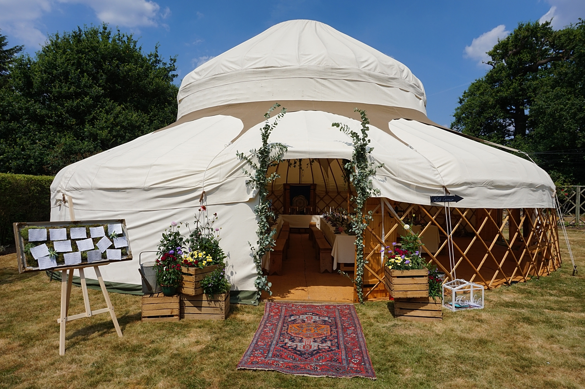 yurt-wedding-tipi-wedding-south-london-wedding-planner-wedding-coordinator-on-the-day-coordinator-on-the-day-help-eucaplytus