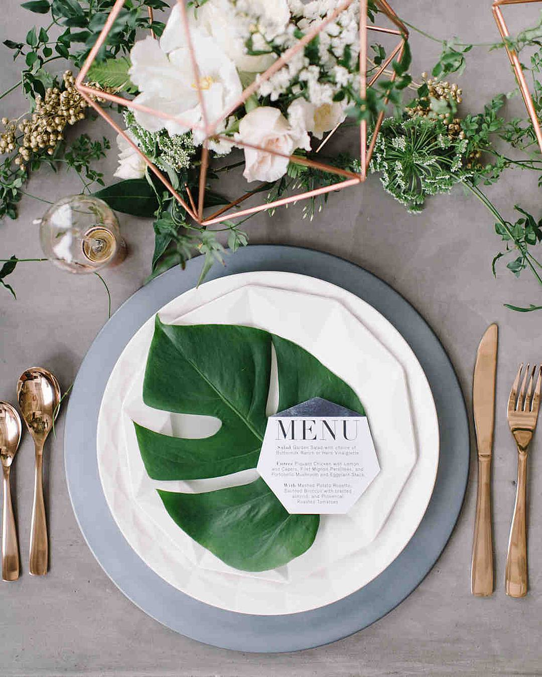 wedding décor tips palm leaves tropical place setting