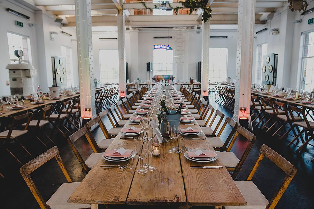 Emma Jonny An Uber Cool Modern Industrial Wedding With A Neon