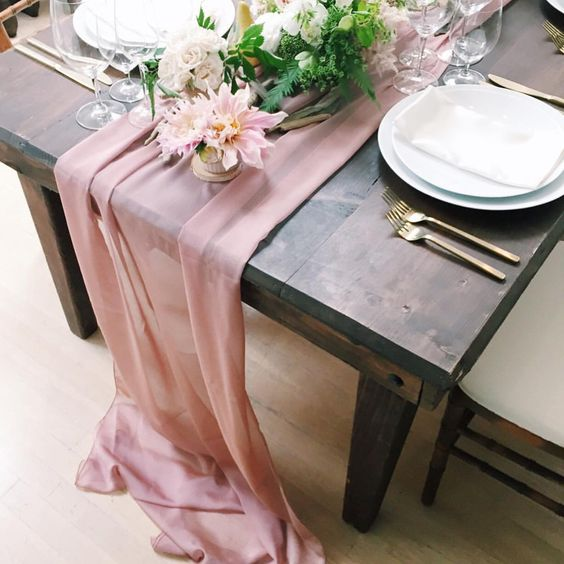 table-runner-drape-trestle-table