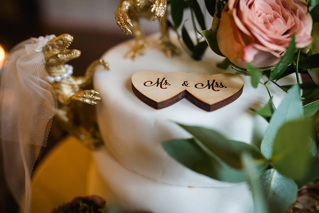 Devine Bride, London Wedding, City Wedding, The Union Bar, UK Wedding Planner, Chich Wedding Dress, Red Bridesmaid Dresses, Notting Hill Gate, Green & Envy, London Florist, Paddington Wedding