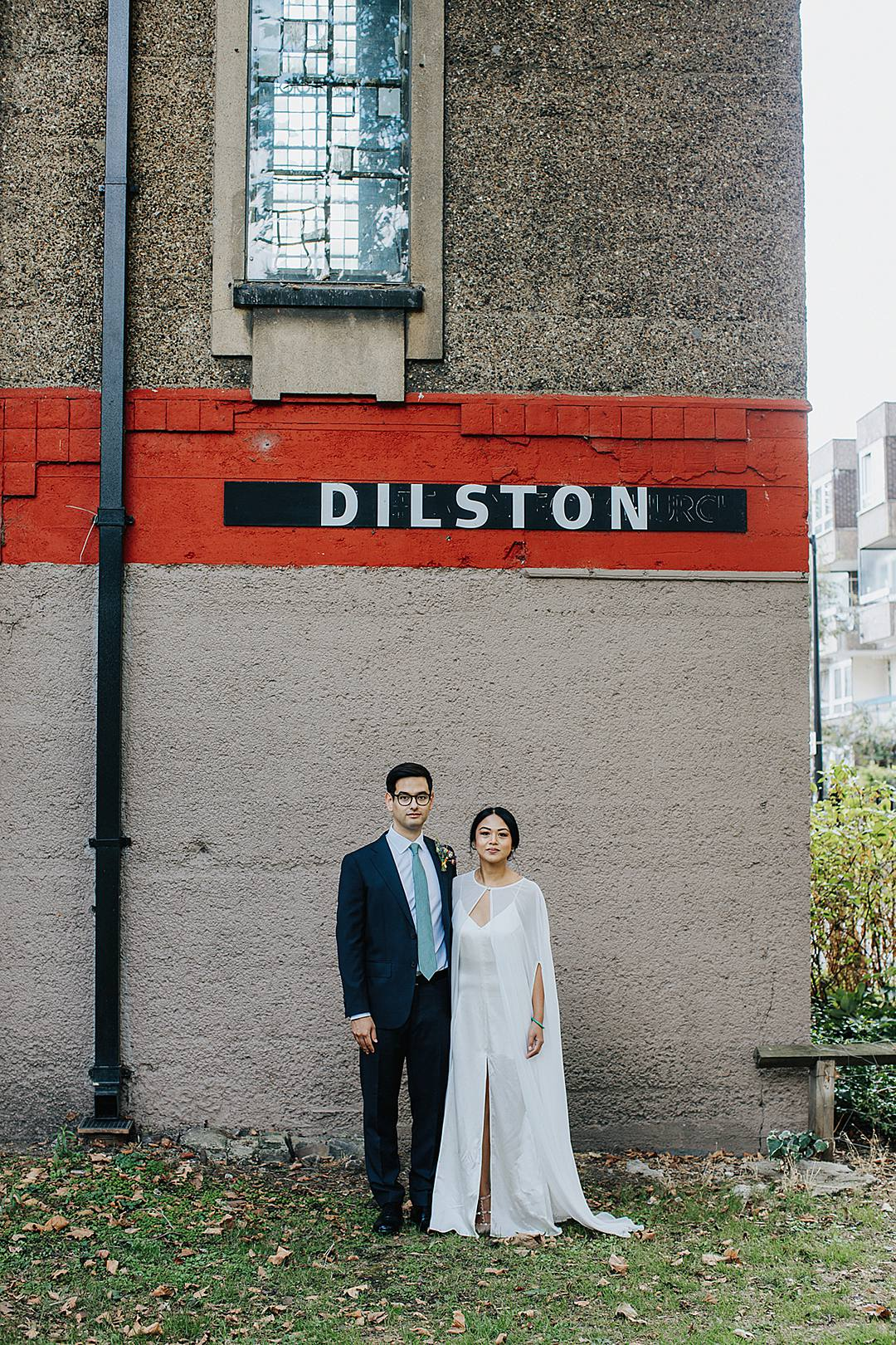 Devine Bride, London Wedding, City Wedding, Devlin Photos, Contemporary Wedding, Industrial Wedding, Classic Crockery, Real Wedding. 2019 Wedding Trends, Dilston Grove, Chic Wedding Decor, Pesh Flowers