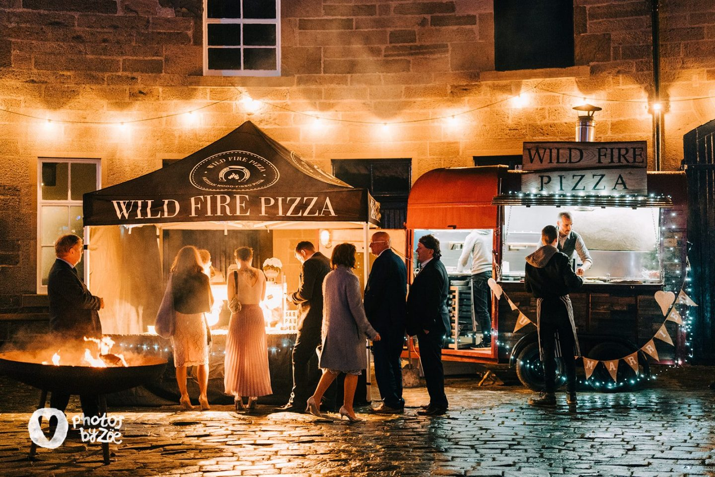 cosy country house wedding, pizza, wild fire pizza, evening food, scottish wedding, errol park