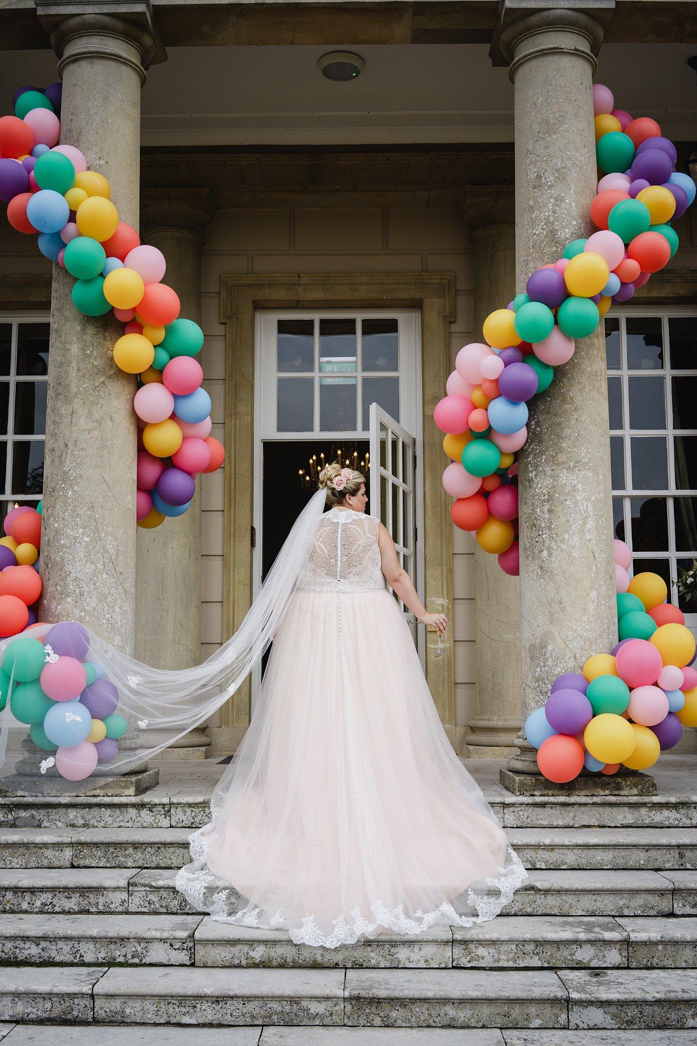 Bubblegum Balloons Wedding Decor, Buxted Park bridal portrait
