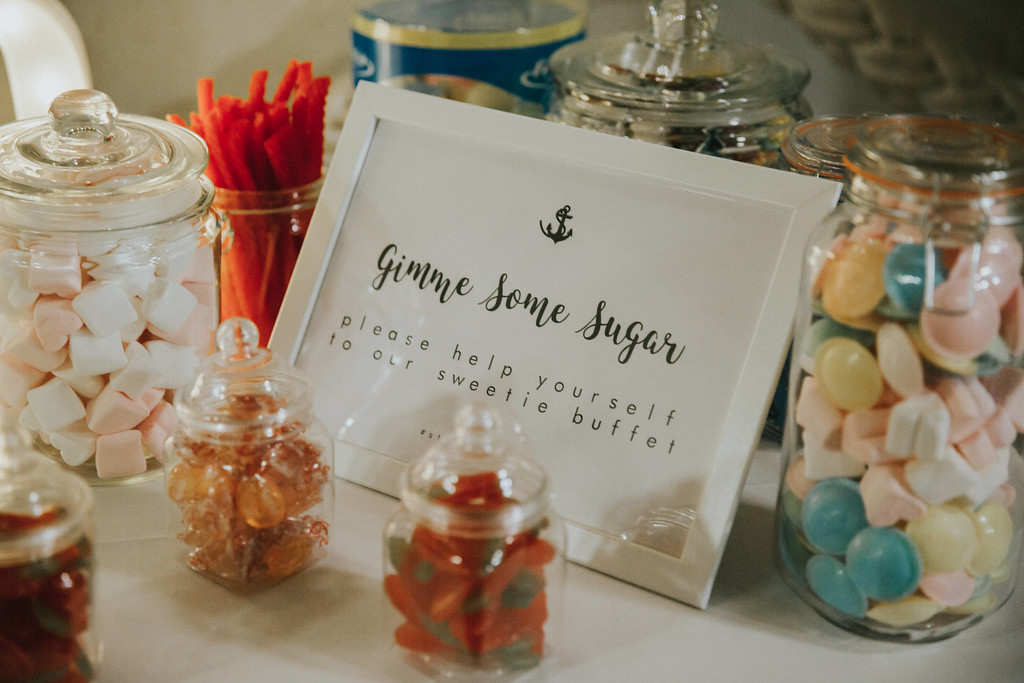 easy-ways-to-make-your-wedding-fun-sweetie-table