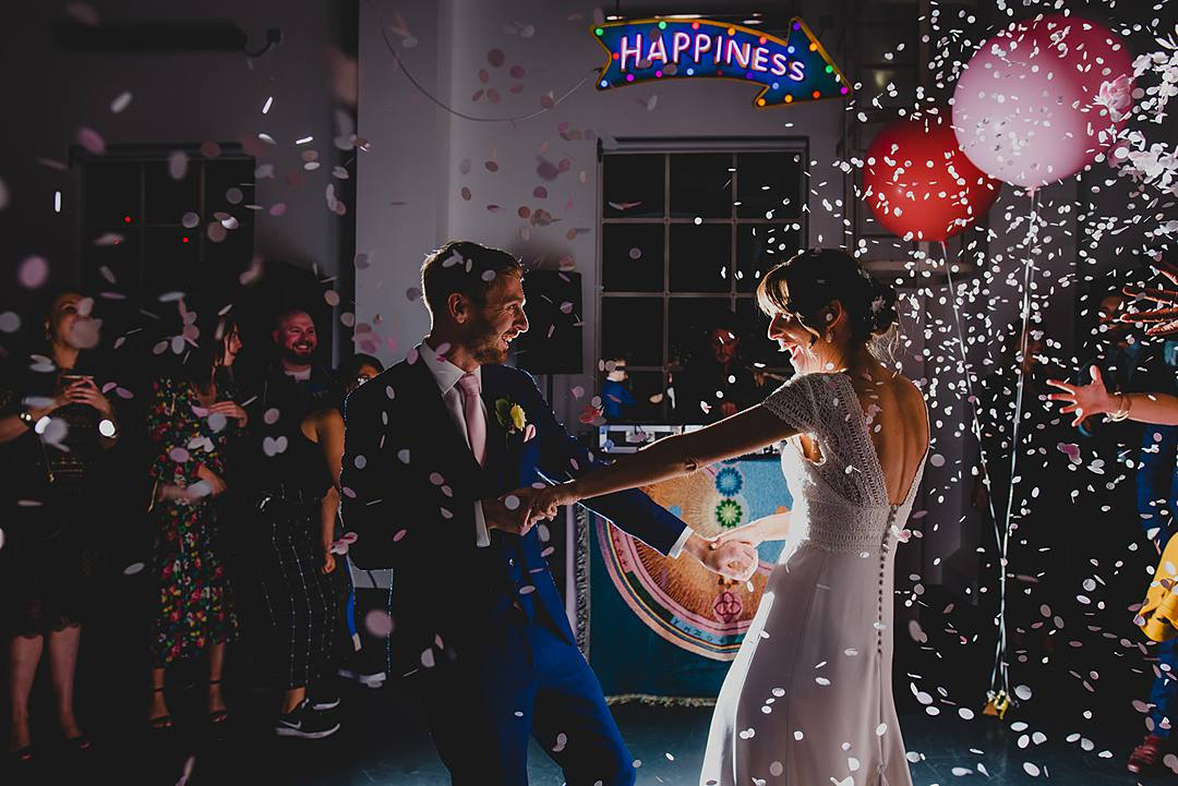 first-dance-confetti-cannon-glitter-party-popper-west-reservoir-centre